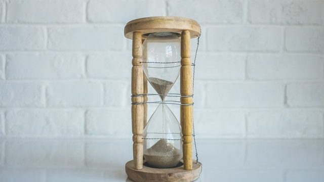 Hourglass timer - optimize your time by tacking tasks quickly, in other words, don't procrastinate!
